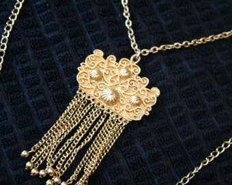 Multi chain India style necklace