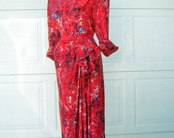"1940s Red Dress Hip Draped Silhouette & Wonderful Print - Bust 44"""