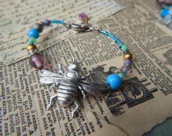 Silver Bee Bracelet, Bee Lover Jewelry, Beaded Bracelet, Honey Bee, Boho Style Bracelet
