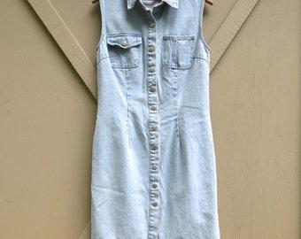90s vintage Light Wash Denim Snap Front Jean Dress / Jeanology Collection