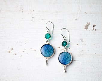 Blue dangle earrings with glass emerald - Hydrangea jewelry - Blue Flower earrings - Blue and green earrings - Bloom by BeautySpot (E143)