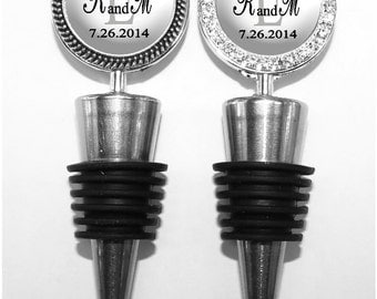 Wedding Wine Stopper - Personalized Save the Date Bottle Stop in 5 Colors, Couple's Monogram Wine Stopper (A040)