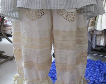 Vintage Kitty vanilla embroidered bloomers with lace and battenburg..... shabby chic gorgeous, victorian, vintage linens, ooak. Med/xl.