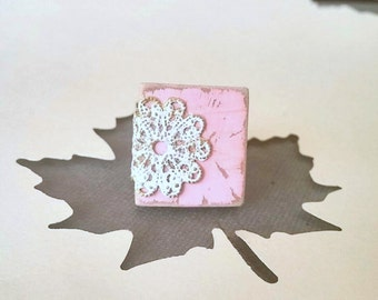 Country Chic Lace Ring Doily Pale Pink Scrabble Tile - Pink Lace