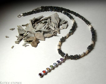 Chakra Rainbow Necklace with Labradorite and Freshwater Pearl Beads // All Seven Chakras // Crystal Healing Jewellery