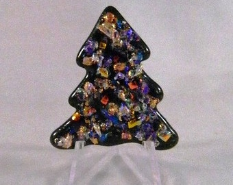 Fashionable and Sparkly Fused Glass Christmas tree pin, TF3