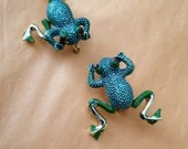 Frog Brooch Articulated Legs Scatter Pins Green Red Rhinestones