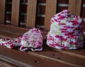 Pink and Green Newborn Baby Legwarmers & Knitted Hat