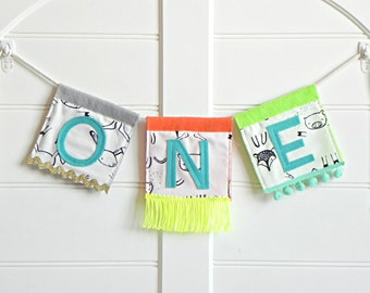 High Chair Banner One / One Birthday Banner / High Chair Banner Boy / Photo Props Birthday / First Birthday Boy / Bunting Banner