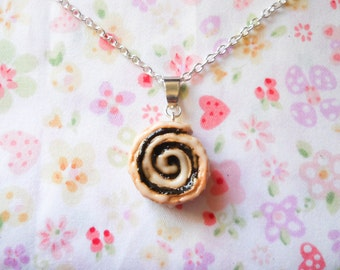 Cinnamon Roll Necklace, Cinnamon Bun, Food Necklace, Polymer Clay, Pendant, Miniature Food, Clay Food, Cute Necklace, Sweet Lolita
