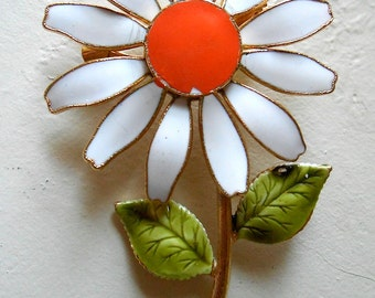 Vintage White Daisy Brooch Enamel Pin