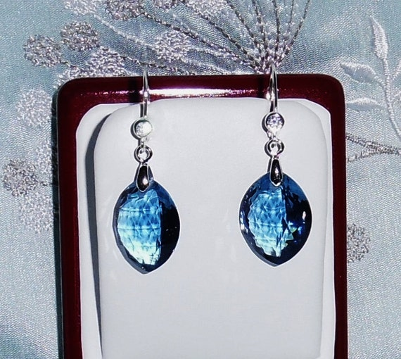 30 cts Marquise London Blue Topaz gemstones, Sterling Silver leverback Pierced Earrings