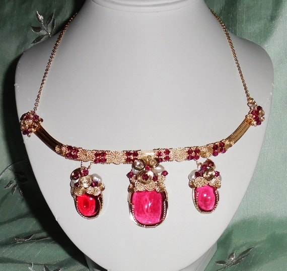 """153 cts 3 Natural Cabochon Hot Pink Topaz gemstones 14kt yellow gold 19"""" Necklace"""