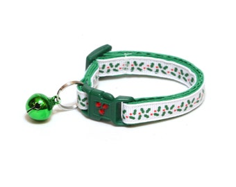 Christmas Cat Collar - Holly Leaves and Berries on White - Kitten or Large Size
