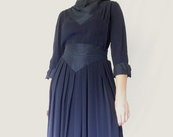 1930s Navy Blue Rayon Dress, Old Hollywood Movie Star, Taffeta Cowl Neck V Waist, SIZE M, 30s Starlit, Jackpot Jen Vintage