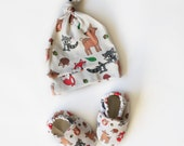 Woodland Theme Gift Set - Organic Cotton Baby Hat and Baby Shoes 0 3 6 12 18 24 Months Fox Deer Hedgehog raccoon acorn
