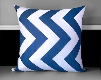 "Pillow Cover - Zippy Chevron Navy 20"" x 20"""