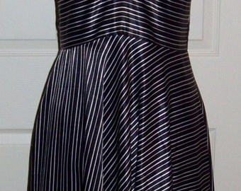 Vintage Ladies Black & White Striped Halter Dress by Alyn Paige Size 5/6 Only 6 USD