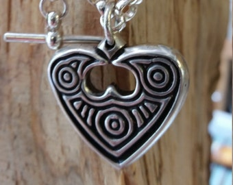 01.136.SV/CH  Silver Raven Heart necklace on Silver chain