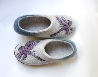 Dragonfly art slippers for women, Grey and emerald green felted slippers, Wool house shoes with leather soles, Handmade slippers - to order