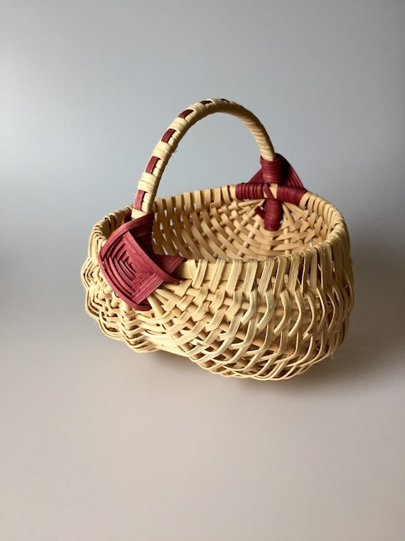 Handmade Peg Baskets : Handmade old fashion buttocks egg basket