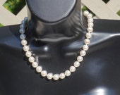 Vintage Pearl Necklace,Faux Pearl Choker,Single Strand Pearls,Knotted Pearls,Wedding Jewelry,Bridal Necklace,June Birthstone,Vintage Jewelry