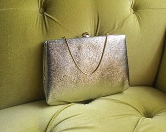 Vintage 1950sSilver Handbag Metallic Silver Evening Bag Clutch Gold Tone Chain and Rhinestone Makeup Bag Silver Clutch Wedding Bridal Purse
