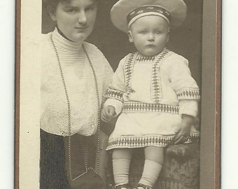 Mom and baby photgraph Paper Ephemera Cabinet Portrait Old Victorian Antique CDV Collectibles Repurpose Recycle