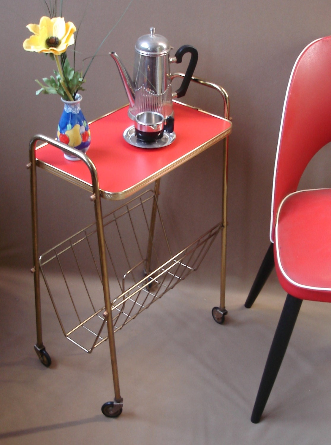 vintage 60s rolling end table coffee table string wire red. Black Bedroom Furniture Sets. Home Design Ideas