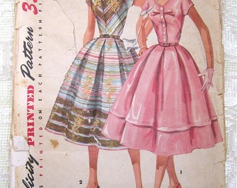 Vintage 50s Junior Day Dress, Pleated Skirt. Simplicity 1538. Sewing Pattern. Size 11,  Bust 29""