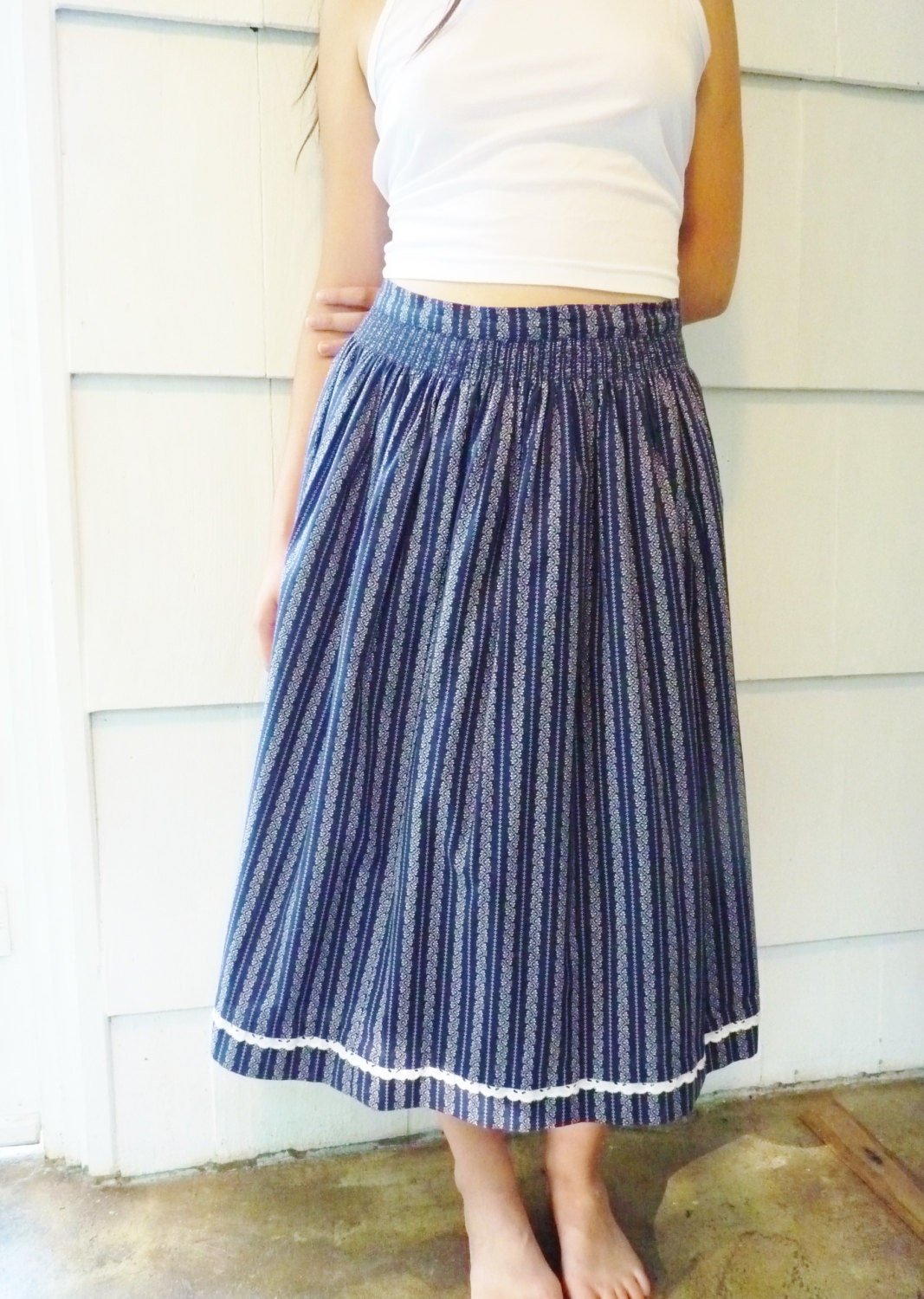 handmade classic drindl skirt in navy blue and white