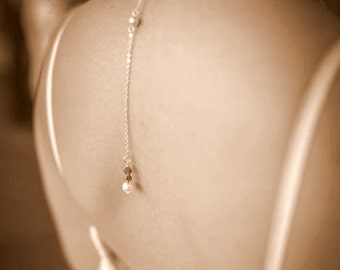 Bijoux mariage de dos en chaine et cristal, pendentif mariage de dos parsemé de perles en cristal - Bridal backdrop necklace crystal