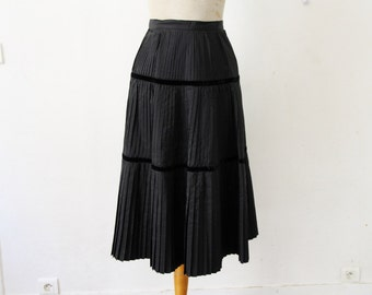 1950s black pleated skirt, 50s flared skirt, New Look high waist skirt, Christian Dior style, evening party skirt petite size XS 4 6