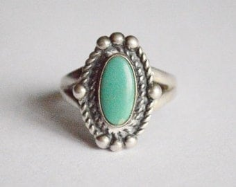 Vintage Sterling Silver Green Blue Turquoise Bell Trading Post Ring Size 7
