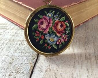 Tapestry Locket - Avon Locket Necklace, Flower Locket, Tapestry Jewelry, Tapestry Design, Photo Locket, Picture Locket, Tapestry Necklace