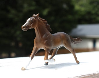 Brown with Front Stockings Customized Breyer Standardbred Stablemate