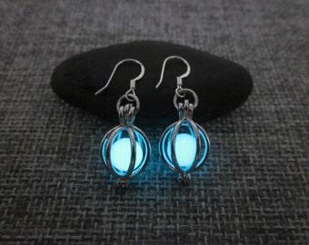 Glow earrings,Glowing earrings,Glow in the dark earrings,Glowing Jewelry,Glow in the dark Jewelry,Halloween earrings,Halloween jewelry