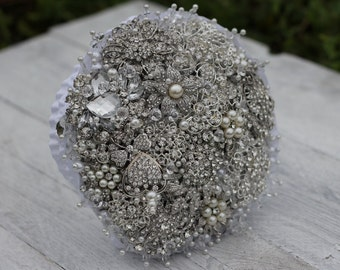 Brooch bouquet Best pice. White wedding brooch bouquet. Jeweled Bouquet. Made upon request