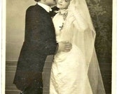 1909 - HAPPINESS -1000 WISHES for your Wedding- Beautiful white long wedding Dress with Veil- French real Photo Postcard - slight mark right