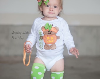 Pumpkin Outfit -- Baby Girl Pumpkin Outfit -- Teddy Bear Pumpkin -- bodysuit, bow and leg warmers in orange and lime green
