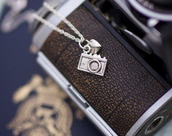 camera charm necklace, photography love, traveler necklace, photographer gift, personalized custom, gift under 20, camera gift, momtog