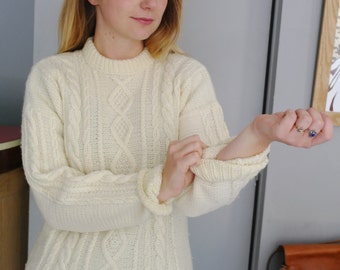vintage handknitted white  pullover