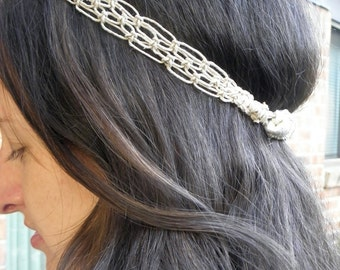 Macrame headband in natural hemp with lacy look and elastic