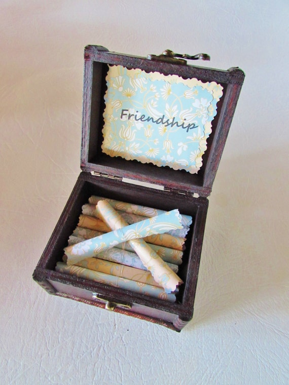 Friend Gift, Friend Going Away Gift, Best Friend Gift, Friendship Quotes in Wood Chest, Friend Necklace, Best Friend Long Distance, Bracelet