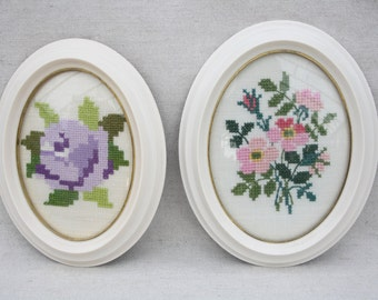 Tapestry embroidery picture Oval picture frames Set of 2 Wall art White frames Vintage art Country home decor Wall hanging decor Wall frames