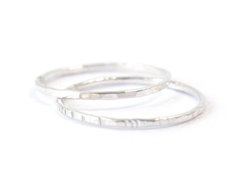 2 Silver stacking rings - hammered grooved or faceted rings - delicate sterling silver rings - ring set - minimalist jewelry / Signe 1mm