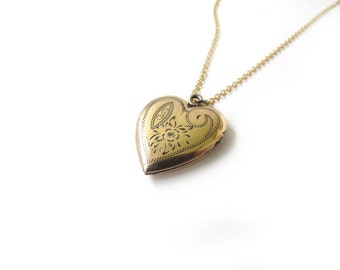 Vintage Sweetheart Locket  With G Monogram c.1940s