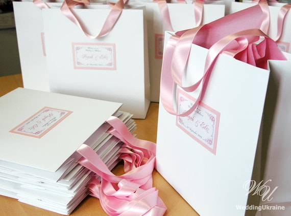 Unique Wedding Welcome Gifts : Personalized Paper Bags - Elegant Custom Wedding Welcome gift bags ...