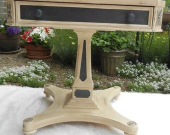 Vintage Pedestal Table; Hand Painted; Vintage; Shabby Chic; Distressed; Chalk Paint; Annie Sloan