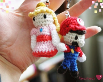 Mario and Peach Amigurumi Charms